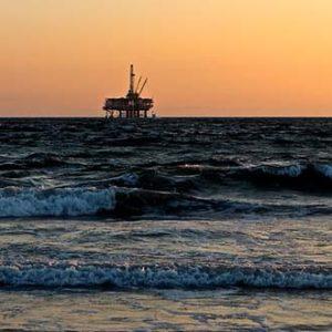 work-offshore-oilrig